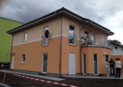 Zweifamilienhaus mit Balkon