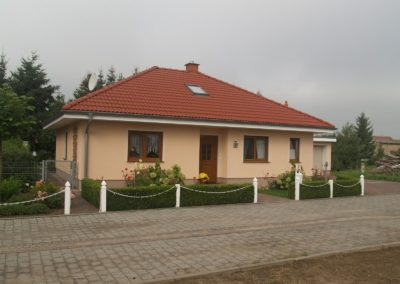 Bungalow mit rotem Dach