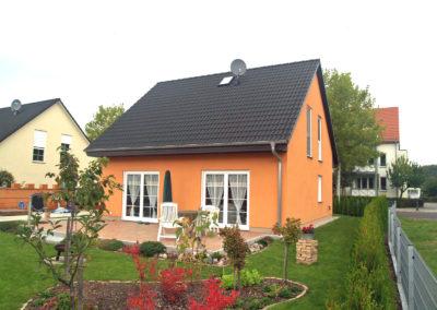 Haus mit großen Terrassentüren