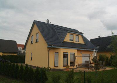 Haus mit Erker und Gaube