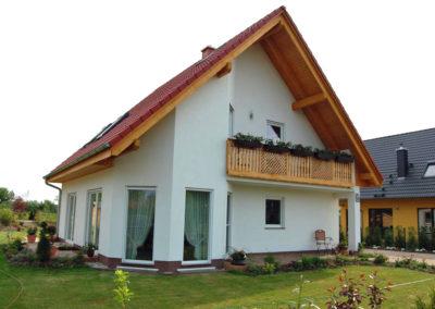 Haus mit Erker und Balkon